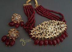 Antique Jewellery Designs, Fancy Jewellery, Gold Jewellery Design, Jewelry Design Earrings, Gold Earrings Designs, Necklace Designs, Indian Jewelry Sets, Bridal Jewelry Sets, Gold Jewelry Simple