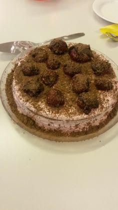 Mansikka-suklaakakku 7 lk Tiramisu, Ethnic Recipes, Food, Essen, Meals, Tiramisu Cake, Yemek, Eten