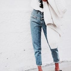 Discovered by Vogue. Find images and videos about jeans, fashion and style on We Heart It - the app to get lost in what you love.