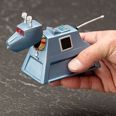 This would make a wicked cool USB hub. 7 ports maybe? Connector comes out of tail. K-9 figure from Doctor Who $ 15.99 at ThinkGeek