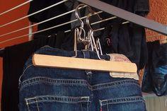 Jeans einfach und schnell trocknen