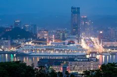 基隆港夜景 麗星郵輪  Taiwan