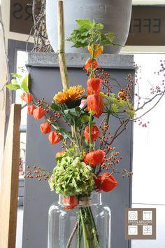 Boeket van de maand oktober! Altar Flowers, Beautiful Bouquet Of Flowers, Beautiful Flower Arrangements, Fall Flowers, Diy Flowers, Flower Vases, Flower Art, Fall Floral Arrangements, Hydrangea Bouquet
