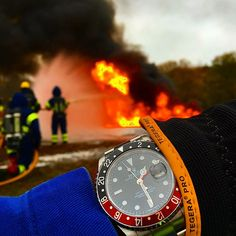 Use Hashtag #RolexWrist sur Instagram : Firefighters Rolex Wrist of my dear friend @16710rolex . Use hashtag ♛ #RolexWrist ♛ ------------------------------------------- #omega #hublot #rolex #rolexgmt #seadweller #skydweller #yachtmaster #datejust #airking #mondani #wrongwrist #panerai #datejustii #tudor #audemarspiguet #mbandf #urwerk #tagheuer #devontread #ulyssenardin #batman #daytona #explorer2 #submariner #rolexsubmariner #richardmille #patekphilippe #daydate #milgauss