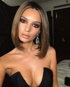 Why Emily Ratajkowski's New Hazel Brown Lob Is a Big Deal For Her