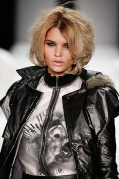 Trendy Hairstyle Trends Short Hair 2015 fa502__Ramp-up-the-v