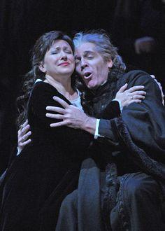 Giuseppe Verdi's #SimonBoccanegra at Lyric Opera of Chicago. Photo by Dan Rest/Lyric Opera of Chicago