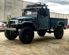 @joeymoussa 1969 #fj45 with 38inch tyres here in Australia with a twin turbo engine