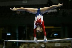 Hollie Vise on uneven bars at the 2004 US Olympic Team Trials