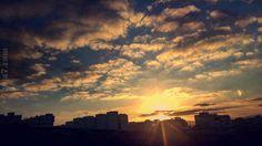 في #طنجة.. غروب شمس على استحياء!  (صورة لمياء المرنيسي) Tanja7.com