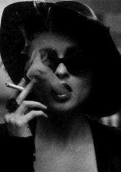 Helena Bonham Carter (Fight Club as Marla Singer) Helena Bonham Carter, Helen Bonham, Helena Carter, Marla Singer, Johny Depp, Annie Leibovitz, Portraits, Fight Club, Black And White Photography