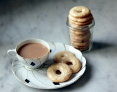 Cookies for breakfast? These amaretti crisps are perfect with your morning cup of coffee #recipe