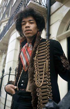 rock-n-roll-is-religion: Jimi Hendrix, 1967