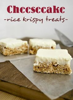 : Cheesecake Rice Krispies Mallow and Co.: Cheesecake Rice Krispies -Mallow and Co. Köstliche Desserts, Delicious Desserts, Dessert Recipes, Yummy Food, Rice Recipes, Popcorn Recipes, Rice Krispies, Rice Krispy Treats Recipe, Rice Krispie Treats