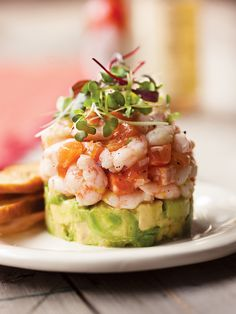 Northern shrimp tartare, salmon trout and avocado - Trend Appetizer Fine Dining 2019 Bento Recipes, Fish Recipes, Healthy Recipes, Tartare Recipe, Salmon Tartare, Avocado, Seafood Appetizers, Easy Salads, Appetisers