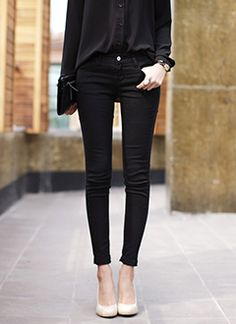 black outfit, nude shoes.
