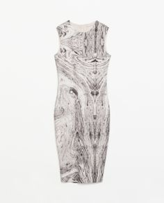 MARBLE PRINT DRESS Ref. 5644/053  HEIGHT OF MODEL:175 CM  59.90 CAD OUTER SHELL  95% POLYESTER, 5% ELASTANE
