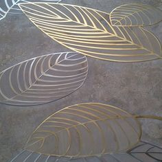 """FOG T001 Patended Design  I VASSALLETTI PROGENIE Special inlaid panel with our design """"LEAF"""", made in natural travertine, steel, brass and oak inside the leaves. Natural finishing with wax"""