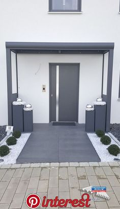 An aluminum front door canopy of the brand REXOvita VSG 3m x 1m in anthracite with side panel board & plexi. This aluminum front door canopy …   o An aluminum front door canopy of the brand REXOvita VSG 3m x 1m in anthracite with side panel board & plexi. This aluminum front door canopy …..