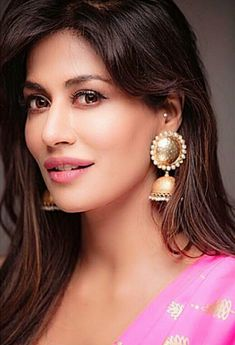 Beautiful Girl Indian, Most Beautiful Indian Actress, Beautiful Eyes, Most Beautiful Women, Chitrangada Singh, Persian Beauties, Indian Bollywood Actress, Bollywood Style, Bollywood Designer Sarees