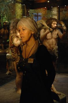 Meet Elisabeth Daynes, founder of Atelier Daynes: expert in paleoanthropology and specialist in hyper realistic reconstruction of early humans, bringing human evolution and human origins to life Early Humans, Human Evolution, Genetics, Australopithecus, Biography, It Cast, Heroines, History, Couple Photos