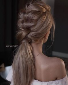 Top 20 Long Wedding Hairstyles and Updos for 2019 Tonyastylist long wedding hairstyles and updos Gorgeous Ponytail Hairstyle Ideas That Will Leave You in FAB ponytail hairstyles 6 Latest Party Hairstyles Along With Styling Tips – Page 3 – Viraldaan Pl Graduation Hairstyles, Wedding Hairstyles For Long Hair, Straight Hairstyles, Braided Hairstyles, Hair Wedding, Hairstyles Haircuts, Long Haircuts, Layered Hairstyles, Wedding Nails