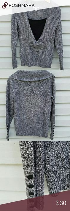 "Cute fitted sweater This sweater is in great used condition. 50% Acrylic,  41% Cotton,  8% Nylon,  1% Spandex. 17"" Chest, 16"" from under arms to hem. 15"" across bottom. Dress Barn Sweaters Crew & Scoop Necks"