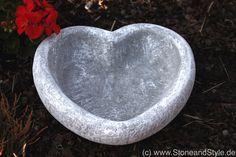 Vogeltränke aus Stein, Herz, Steingut Schale, Garten Deko / bird beath as heart made of stonewear, garden decoration made by Stone and Stye via DaWanda.com