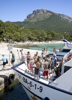 Arriving at Playa Formentor with the Submarine Vision Boat. This beach is rated on the top ten beaches in Spain. And you can also visit it!