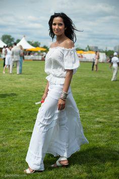 Padma Lakshmi in a White Dress, Veuve Clicquot Polo Classic on http://www.gastrochic.com