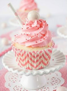 Cupcake recipes 242631498652117930 - These Strawberry Milkshake Cupcakes have a vanilla malt base and are topped with a strawberry milk whipped cream frosting, sprinkles, and a whopper! Make them for an instant trip down memory lane. Source by madincrafts Milkshake Cupcakes, Strawberry Milkshake, Love Cupcakes, Yummy Cupcakes, Malt Milkshake, Pink Lemonade Cupcakes, Champagne Cupcakes, Ice Cream Cupcakes, Valentine Cupcakes