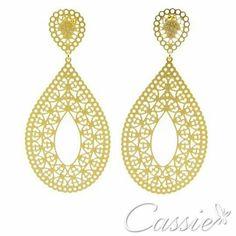 Brincos de todo o estilo e tamanho. Folheados a ouro com garantia.  Pagamento à vista no boleto ou em qualquer cartão em até 10x sem juros.  www.cassie.com.br ╔══════════  ═════════╗ #Cassie #semijoias #acessórios #moda #fashion #estilo #inspiração #tendências #trends #brincos #brincoslindos #love #pulseirismo #lookdodia #zircônias #folheado #dourado #brincoleque #brincoleve #colar #pulseiras #berloques #charms #maxibrinco #anellove #diadasmães # # # #