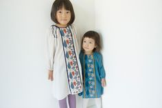 What a delicate way to dress up the humble peasant tunic (inspiring) Young Fashion, Little Girl Fashion, Kids Fashion, Asian Babies, Stylish Kids, Kid Styles, Facon, My Baby Girl, Kids Wear