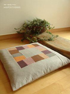 0번째 이미지 Korean Traditional, Hand Sewing, Japanese, Quilts, Blanket, Interior Design, Crochet, Modern, Table