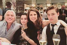 Дмитрий со своими старшими детьми от первого брака