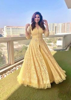Beautiful and vivacious Parineeti Chopra! Indian Gowns Dresses, Indian Fashion Dresses, Dress Indian Style, Indian Designer Outfits, Designer Dresses, Indian Wedding Outfits, Bridal Outfits, Indian Outfits, Bridal Dresses