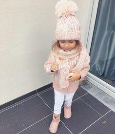 Pin by Marissa Petrosyan on Leilani Pin by Marissa Petrosyan on Leilani Outfits Niños, Baby Outfits, Toddler Girl Outfits, Toddler Fashion, Kids Fashion, Latest Fashion, Cute Little Girls Outfits, Little Girl Fashion, Kids Winter Fashion