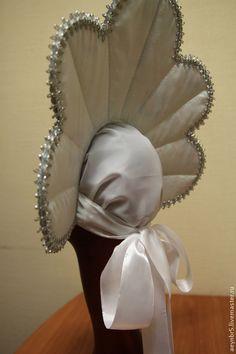 Carnival/Festival kokoshnik, back. Folk Costume, Costumes, Costume Ideas, Turbans, Carnival Outfits, Millinery Hats, Diy Hat, Head Accessories, Headgear