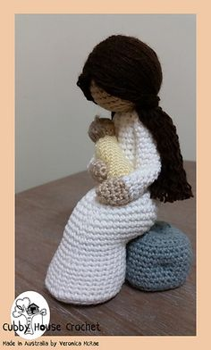 "Crochet Pattern ""Little Sparrow"" Zion Asher. Mother sitting on a rock with her baby. Baby Angel Wings optional ENGLISH and DUTCH translation : Crochet Pattern Little Sparrow Zion Asher. Knitted Dolls, Crochet Dolls, Knit Crochet, Crochet Stitches, Baby Angel Wings, Crochet Disney, Thick Yarn, Single Crochet Stitch, Amigurumi"