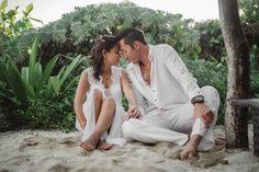 Too much purity through this photo  #wedding #weddingday #beach #bluesky #sand #whitedress #weddinginspiration #weddingideas #weddingtips #weddingplanning #weddingphotography #weddingdetails #weddingstyling #weddingstyle #weddingcolors #bride #marry #inspiration #love #reception #flowers #riveramaya #playadelcarmen #bluevenadobeachclub #bluevenadoweddings