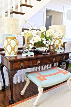 Table in entry of Hampton Designer Showhouse 2012.....perfect styling