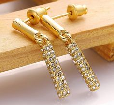 Trend style eco-friendly alloy long cylinders shaped crystal hanging Luxury gold earrings