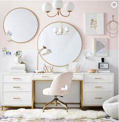 11 Stunning Home Offices With Feminine Desks. Big pretty work spaces that appeal to people looking for pretty desks. Cute Bedroom Decor, Room Ideas Bedroom, Wall Decor, Wall Art, Bedroom Stuff, Small Room Bedroom, Decor Room, Dream Bedroom, Wall Murals