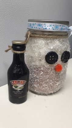 Hand made snowman with hot cocoa and mini marshmallows inside. Don't forget the wonderful add on of Baileys! I can make anything you see here or customize something especially for you. Just hit me up. Thanks for looking!  Jessie Moseley