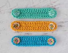 Browse our list and find a free crochet mask pattern to work up. We even have a few crochet ear savers along with the free mask tutorials and designs. Crochet Gratis, All Free Crochet, Easy Crochet, Crochet Hooks, Beginner Crochet, Crochet Scarves, Crochet Abbreviations, Crochet Stitches, Crochet Patterns