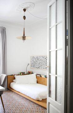 Art & Mañas » Un apartamento llevo de vegetación y libros en Valencia
