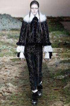 Alexander McQueen | Paris Fashion Week 2014 | Days 7&8 (Part 2)