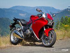 2011 Honda VFR1200F Comparison Review Photos - Motorcycle USA