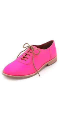 Marc by Marc Jacobs Bright Oxfords. This is how I would wear an Oxford Sock Shoes, Cute Shoes, Me Too Shoes, Flat Shoes, Marc Jacobs, Baskets, Dress Shoes, Shoes Sandals, Best Flats