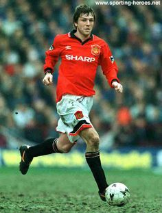Lee Sharpe: 1988. Manchester United Images, Manchester United Players, Man Utd Tattoo, Lee Sharpe, Best Football Team, Football Stuff, Football Kits, Man Utd Squad, Premier League Champions